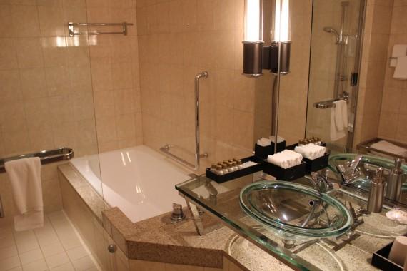 京都八瀬離宮のBタイプ(Aグレード)のバスルーム