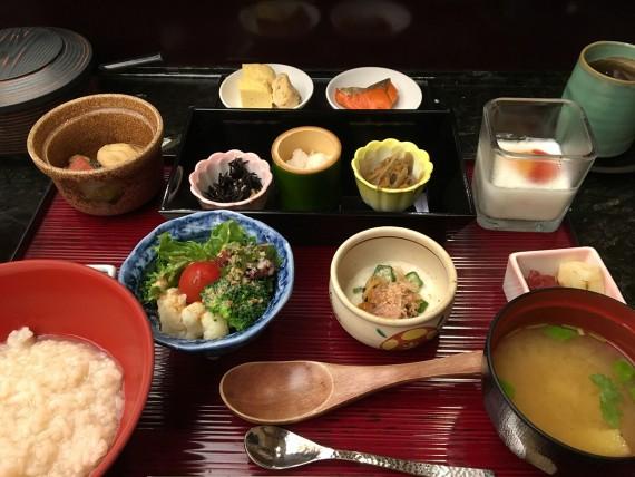 「日本料理 嵯峨」の朝食メニューです