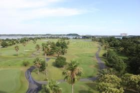 エクシブ浜名湖からゴルフ場を眺める